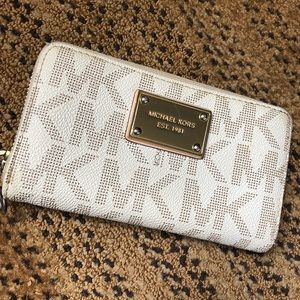 Michael Kors Wallet ‼️